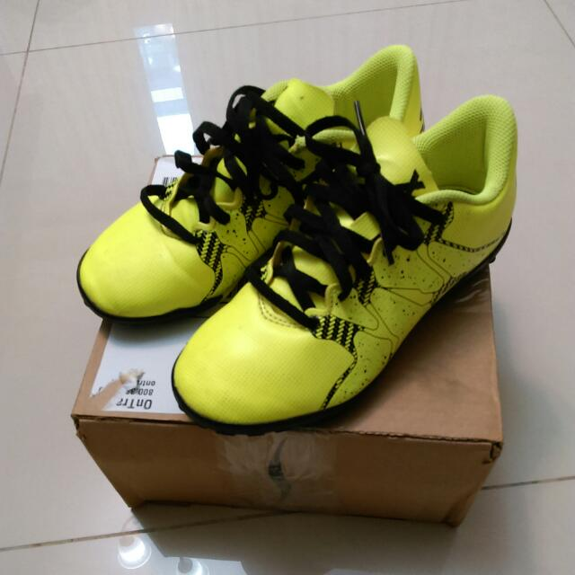 Adidas兒童足球鞋(九成新)