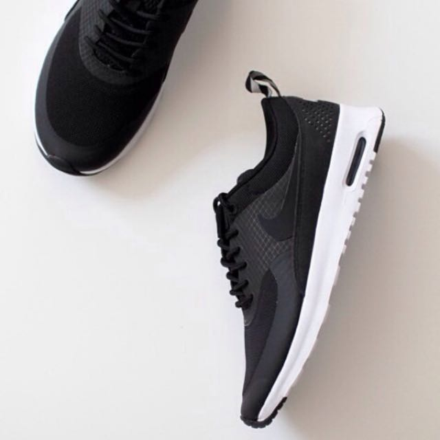 ALL BLACK Nike Thea (reduced!!)