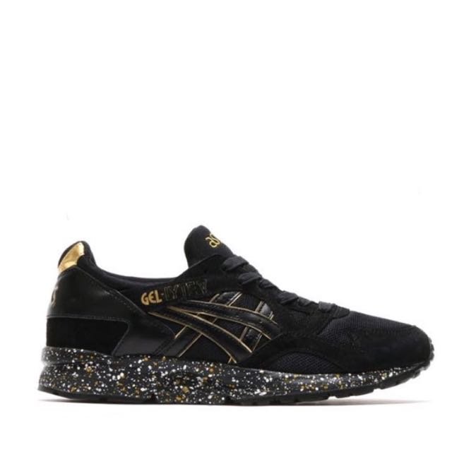 Deshonestidad árbitro Escalera  Atmos x Asics Gel Lyte V Black/Gold, Men's Fashion, Footwear on ...