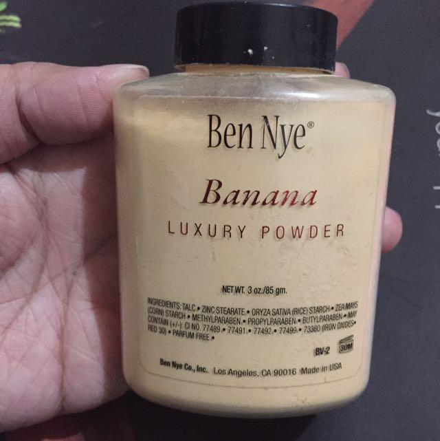 Ben Nye Luxury Powder- Banana