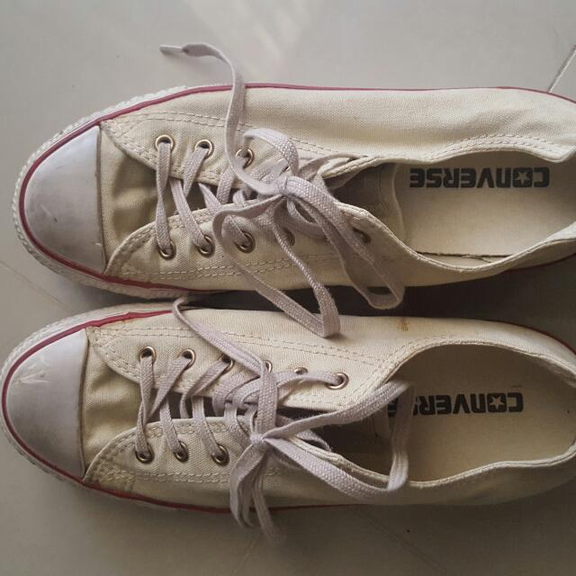 bcef1230c79b Converse Worn Out Style