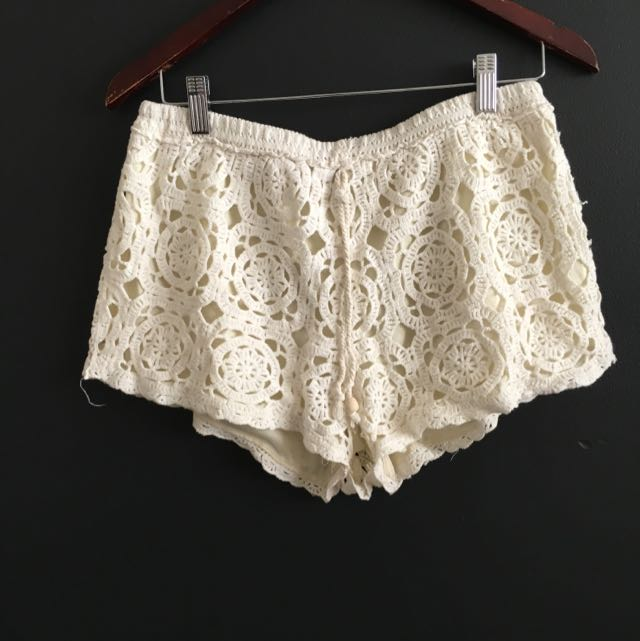 Cream Floral Crotchet Shorts