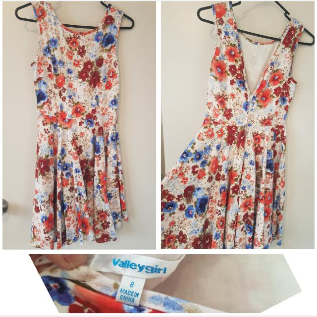 Cute Floral Pinup Dress Size 8