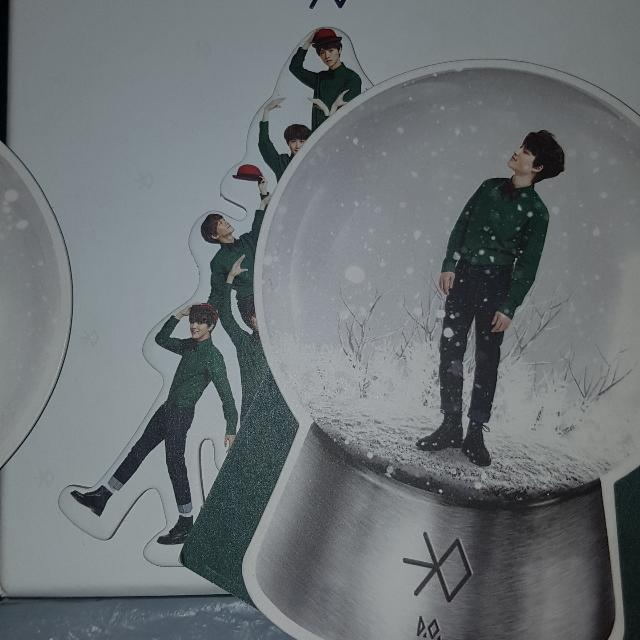 EXO's Miracles in December with D.O. Photocard