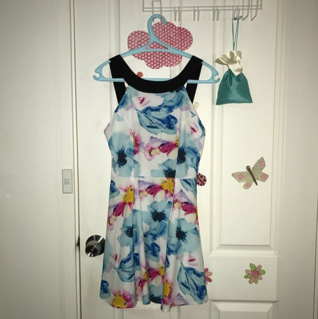 Floral Open-back Semi Formal Dress