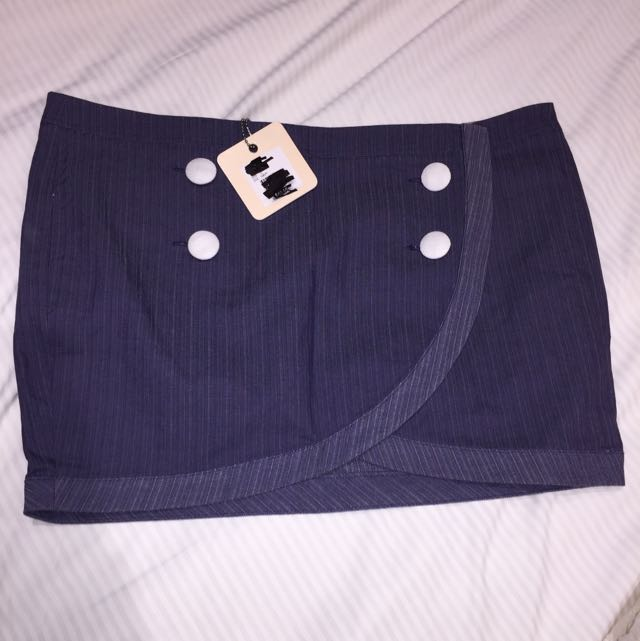 Ladies Navy Skirt Size 12 RRP $49.95