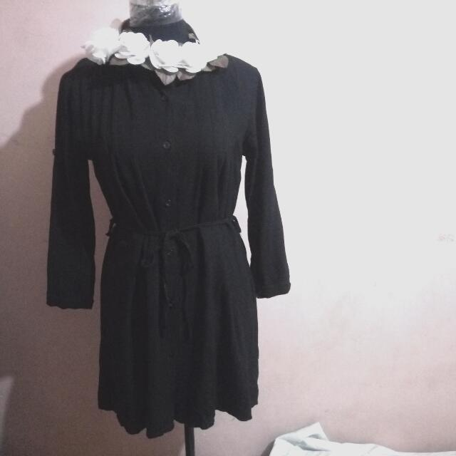 Long Sleeves Dress. Black