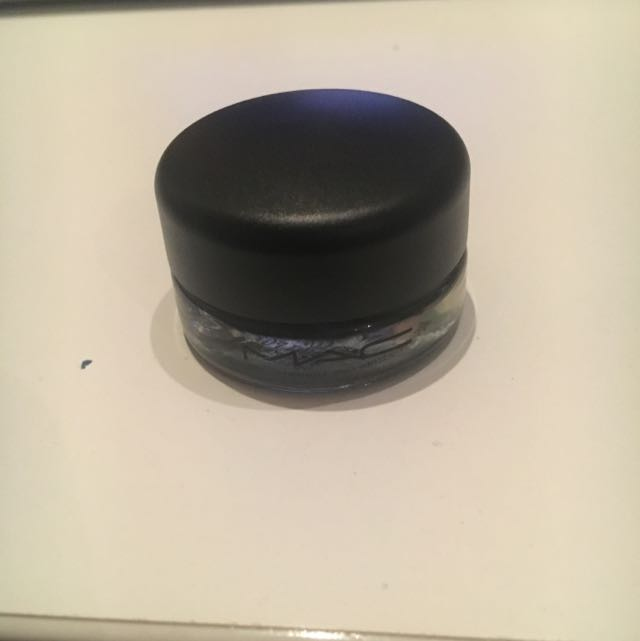 Mac Pro Long wear Paint pot In Imaginary