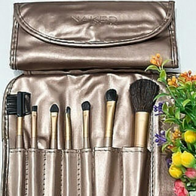 NAKED BRUSH 7PCS SET