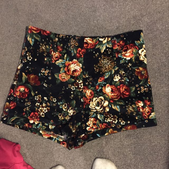 New Never Worn High Waisted Floral Print Shorts