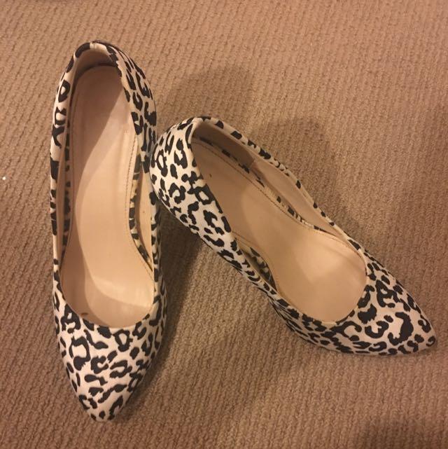 Novo high heels