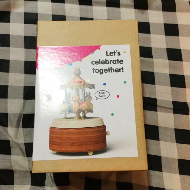 Rody 30週年限定原木旋轉木馬音樂盒
