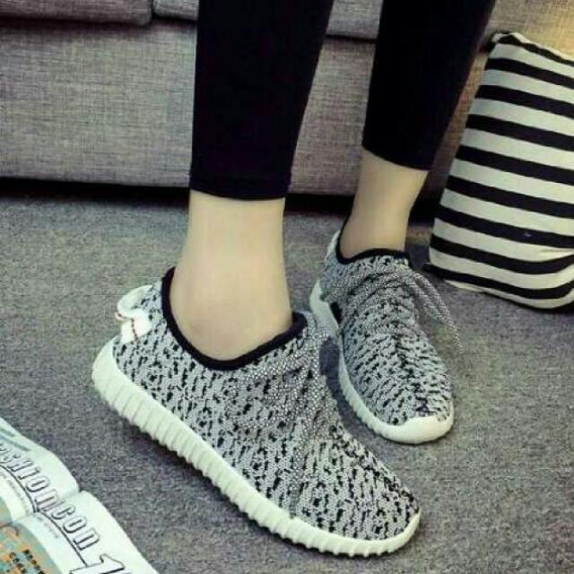 Slip On Adidas Yeezy Abu Replika / Sepatu Kets Yezzy Murah / Sepatu Olahraga Wanita / Sneakers Sports / Running Shoes Bintik / Sepatu Main / Sepatu Kuliah ...