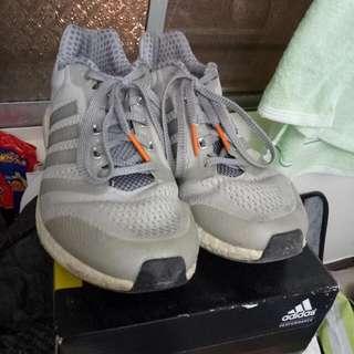 Adidas  Boost 8.5灰色