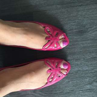 Pink Flat Open Toed Shoes
