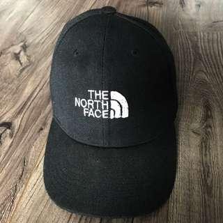 Black North face Baseball Style Hat
