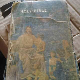 One Direction Book Old Antiqur Hand Mirror And Make Up Hand Bag And Old Bible From The 1960s If You What Pictures Please Ask