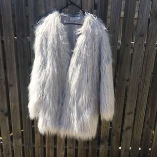 REDUCED Lioness faux fur coat (grey)