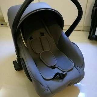 全新初生BB Car Seat