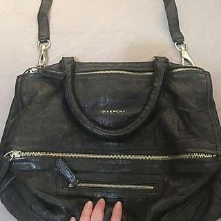 Givenchy Pandora Medium Size with strap
