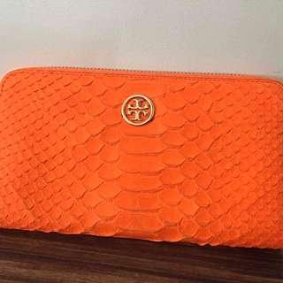 Wallet: Tory burch neon snake zip continental in orange