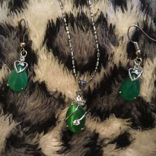 Green gemstone jewellery set :)