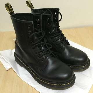 Dr.Martens 馬汀鞋8孔/ 尺寸23半(EU 37)