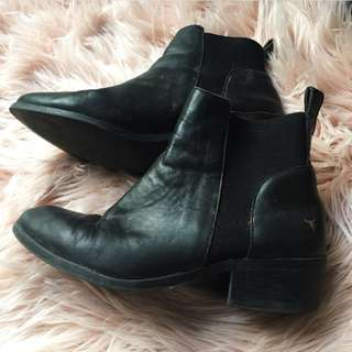 🌹 Windsor Smith Chelsea Boots