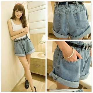 淺藍色顯瘦牛仔褲(L)