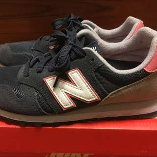 New Balance 373 深藍慢跑鞋