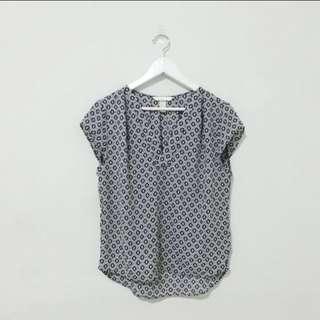 NEW! H&M Pattern Blouse