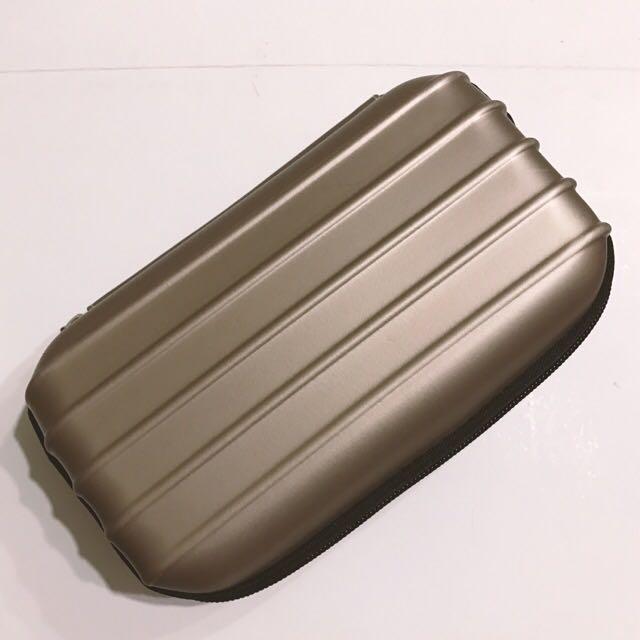 霧面硬殼拉鍊收納包/盥洗包/化妝包 (香檳金)RIMOWA風 行李箱外型
