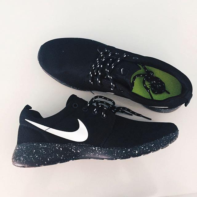 ✨ Size 43 BNIB ✨ Inspired Nike Roshe