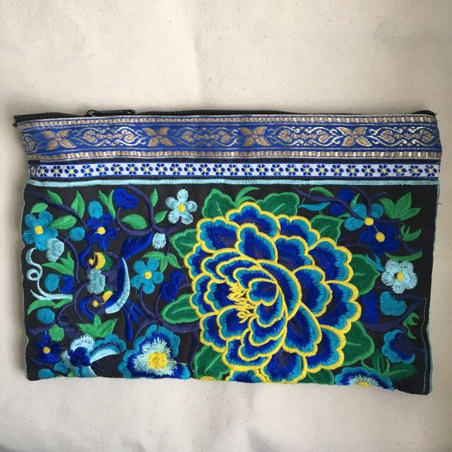 Balinese Pouch