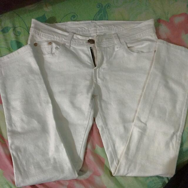 Celana Jeans Putih Tulang