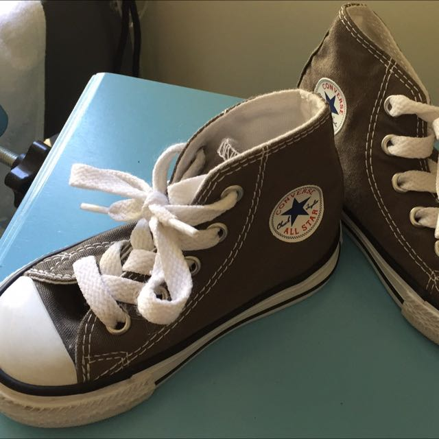 Converse Toddler Size 5