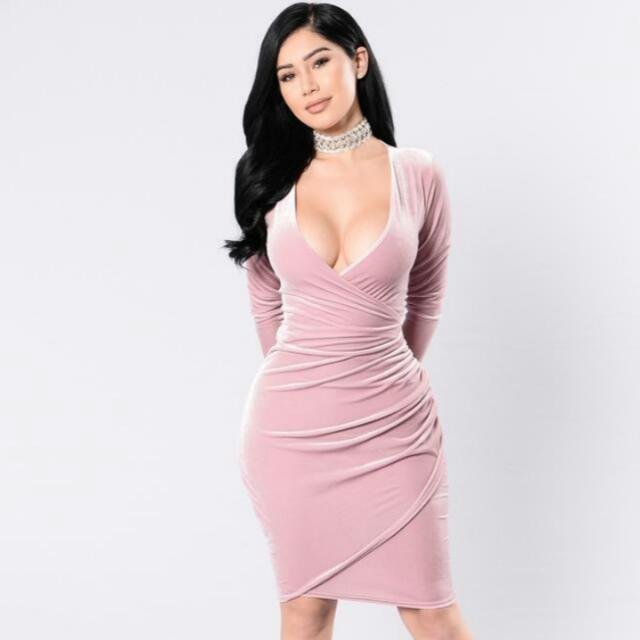 "Fashion Nova ""Meet Me Westside"" Dress Size-1x Colour-Mauve"