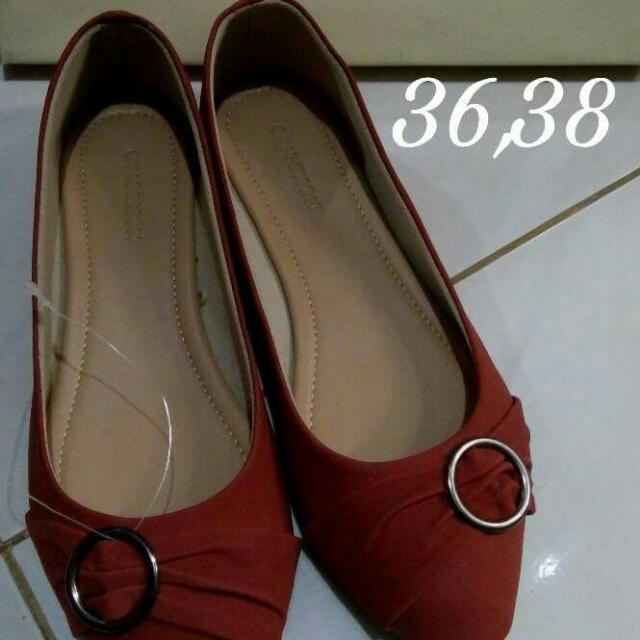 Flat Shoes Brand Conection