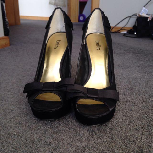Heels Size 9.5 US