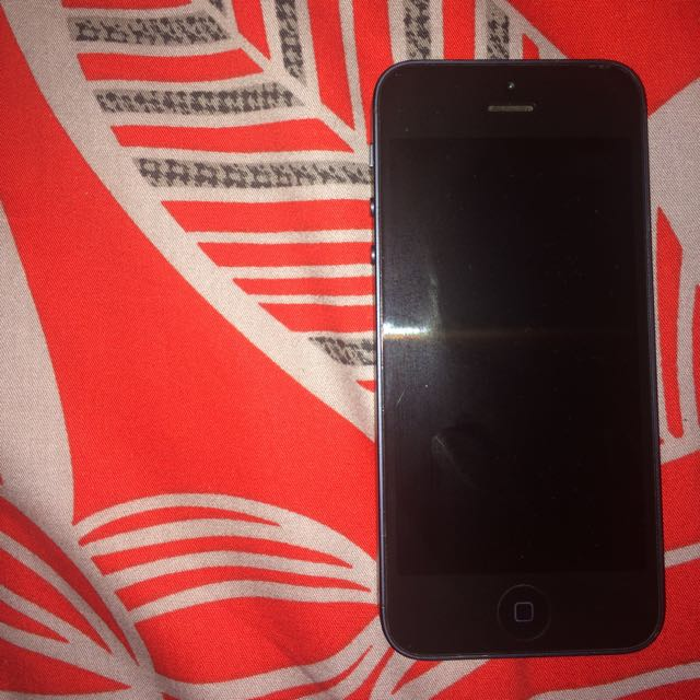Iphone 5 32gb with Icloud Issue
