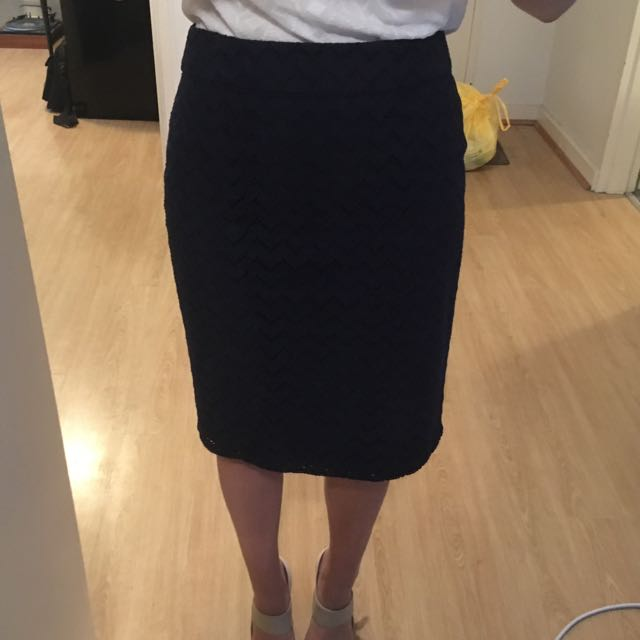 Jacqui E Navy Blue Patterned Pencil Skirt