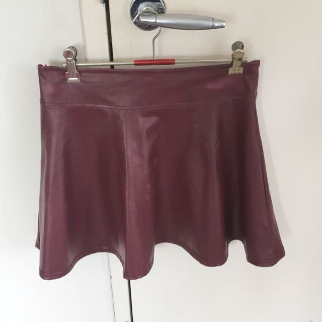 Size Small Pleather Skirt - High wasted