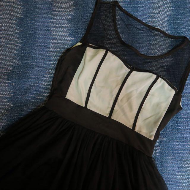 Sweetheart mesh dress
