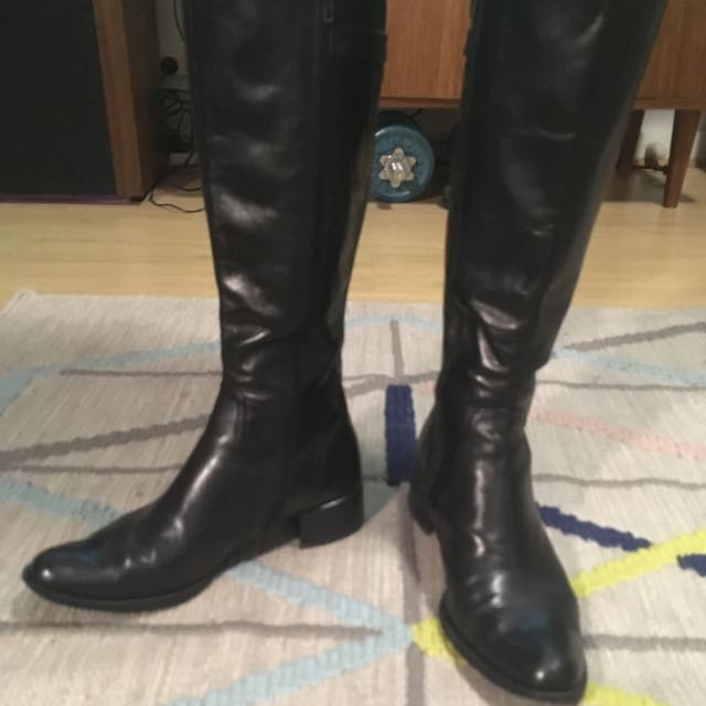 Wittner Knee High Leather Boots with Buckle