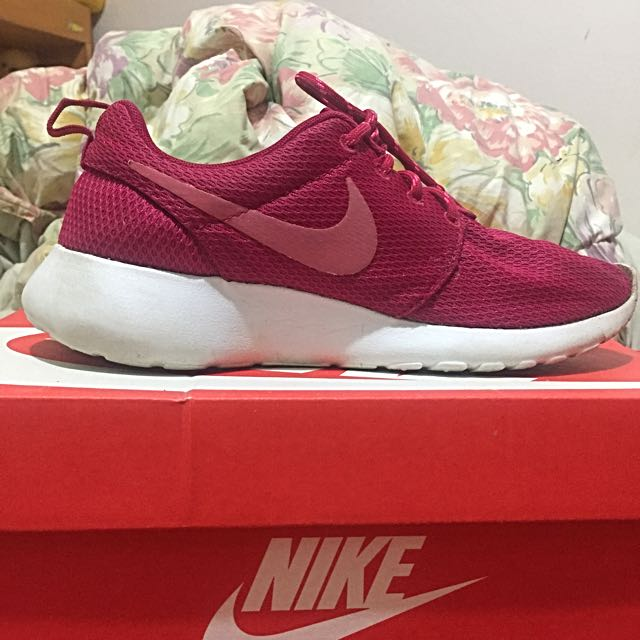 Women's Roshe Run Fuchsia Pink