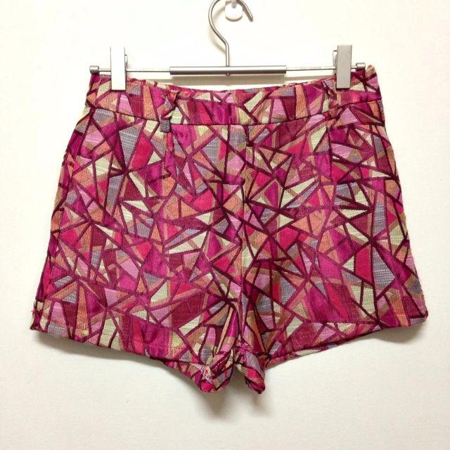 轉賣~x.o.x.o. 古典宮廷馬賽克幾何緞面圖騰高腰短褲