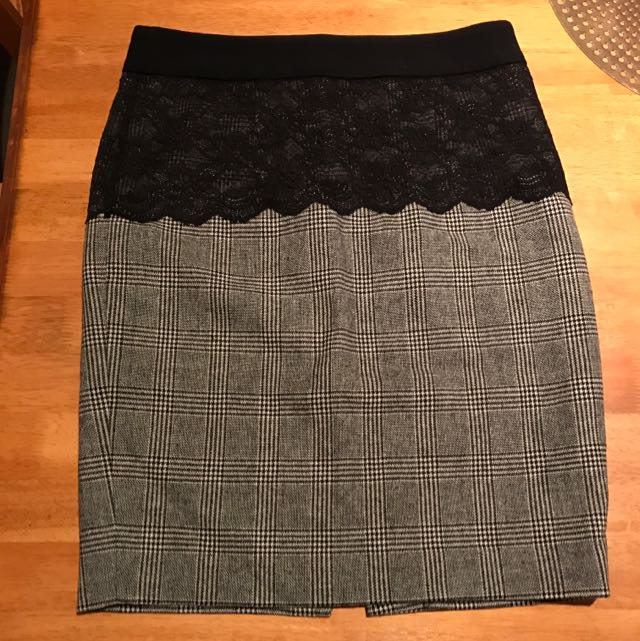Zara Woolen Tweed Pencil Skirt With Black Lace