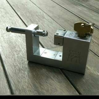 Castle Metal Gate Lock