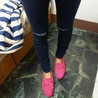玫紅豆豆鞋