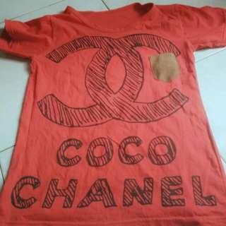Kaos Merah Chanel